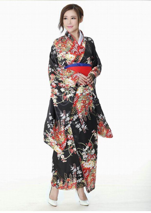 Kimono Yukata đen hoa đỏ sang trọng