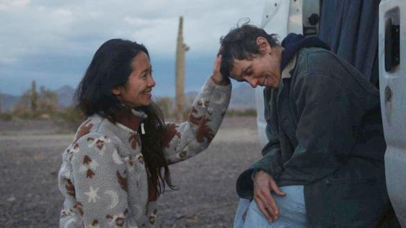 Chloé Zhao: Người phụ nữ không phấn son khuynh đảo Hollywood - Ảnh 5.