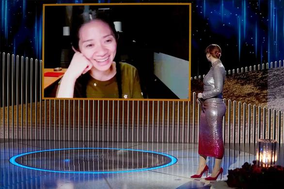 Chloé Zhao: Người phụ nữ không phấn son khuynh đảo Hollywood - Ảnh 2.