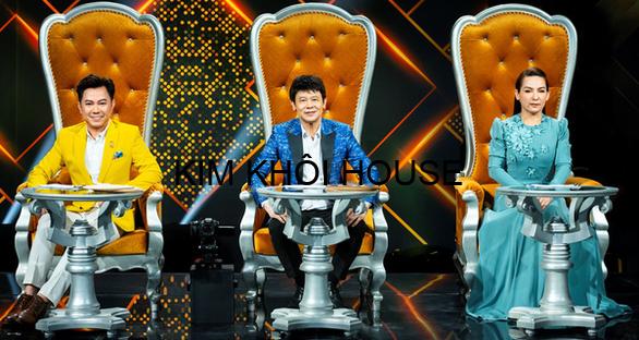 Ca sĩ Quốc Đại, Thái Châu, Phi Nhung (từ trái qua) là giám khảo tập đầu tiên