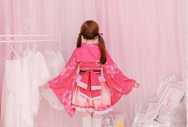 Kimono hồng ngắn cosplay lolita