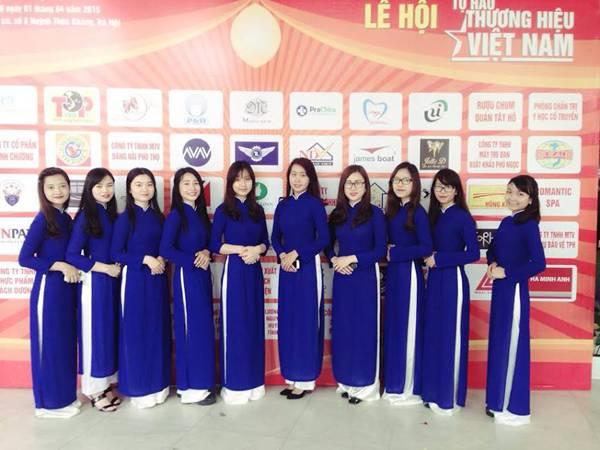 Dịch vụ cho thuê trang phục áo dài lễ tân xanh