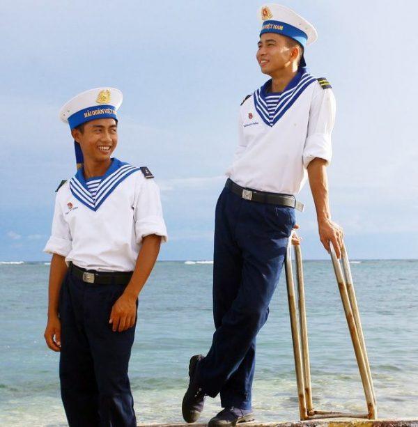 Trang phục Hải Quân nam