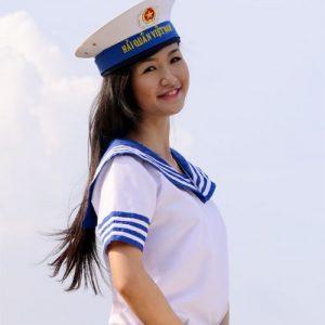 Trang phục Hải Quân nữ